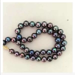 Jewelry - 🆕 REAL Black Pearl Necklace